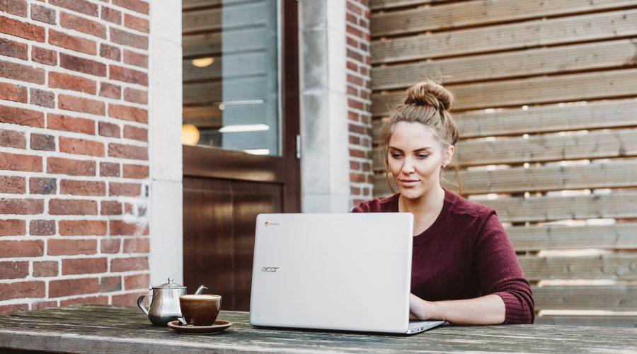 clickable blog post headlines